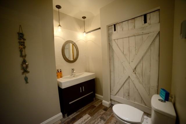 The Lake Room Washroom