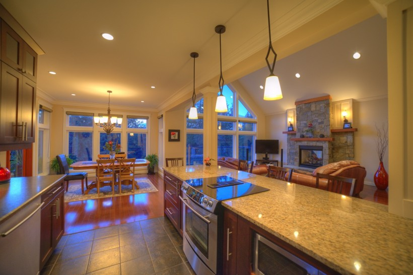 Living-and-Kitchen-web-820x546